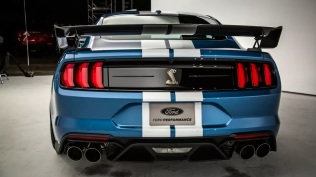 2020-ford-shelby-mustang-gt500-20